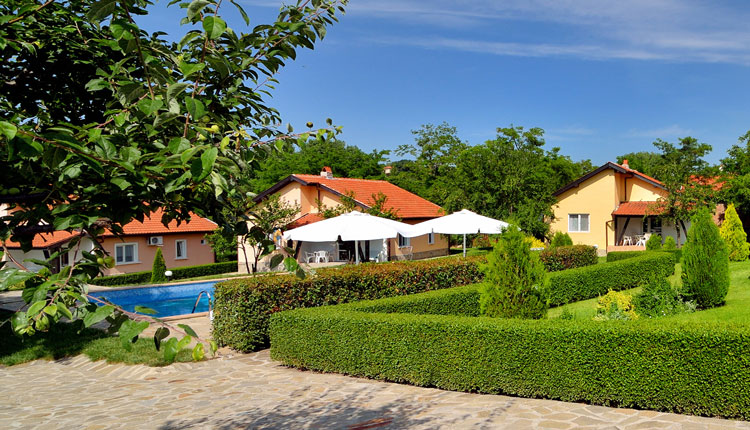 Meadow view Villas - Holiday Bungalows with Pool in Bulgaria for Rent