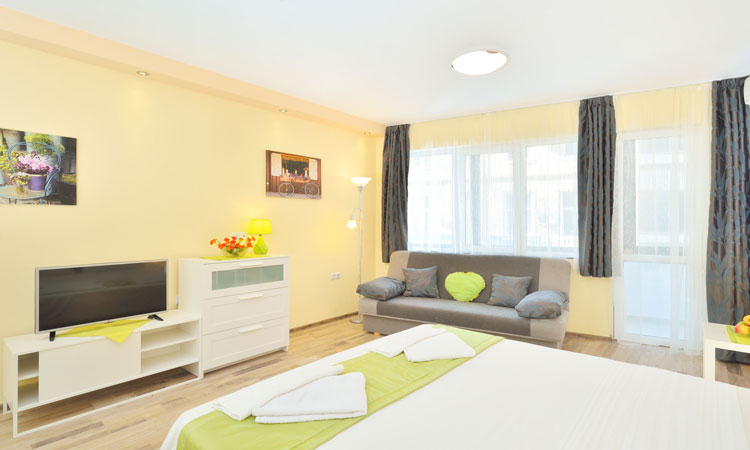 Central Studio 1 in Burgas - Holiday apartment in the heart of Bourgas city for Rent