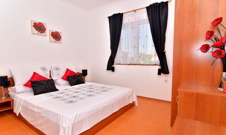 Sunny Hills Villas - Ferienhäuser in Ferienanlage in Bryastovets, Bulgarien mit Schwimmbecken