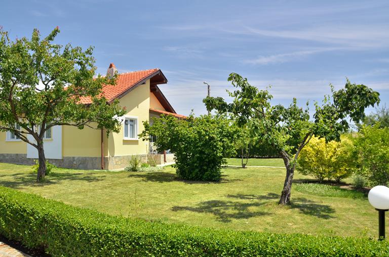 Villa Amber - villa with private garden and pool