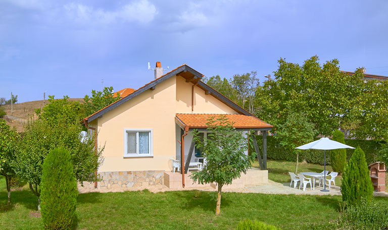 Villa Gardenia - villa with private garden and pool