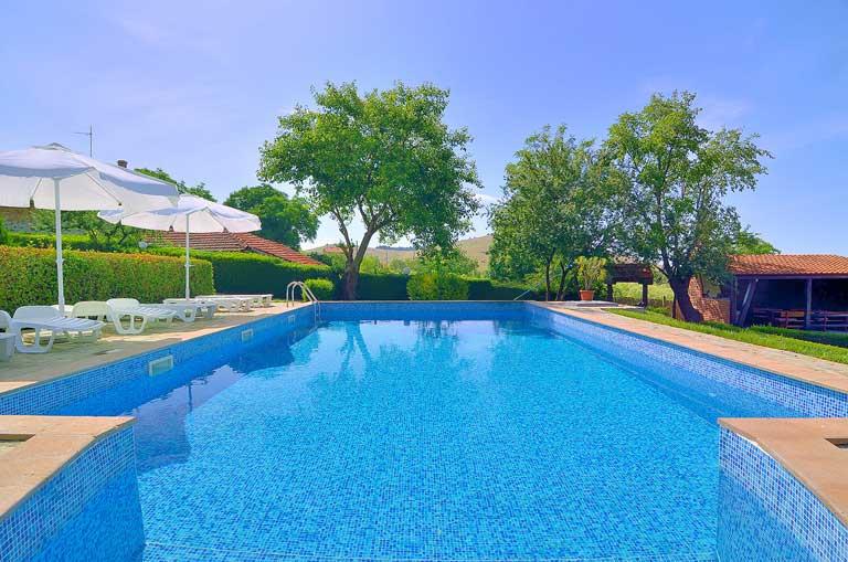 Bulgarian pool benefits