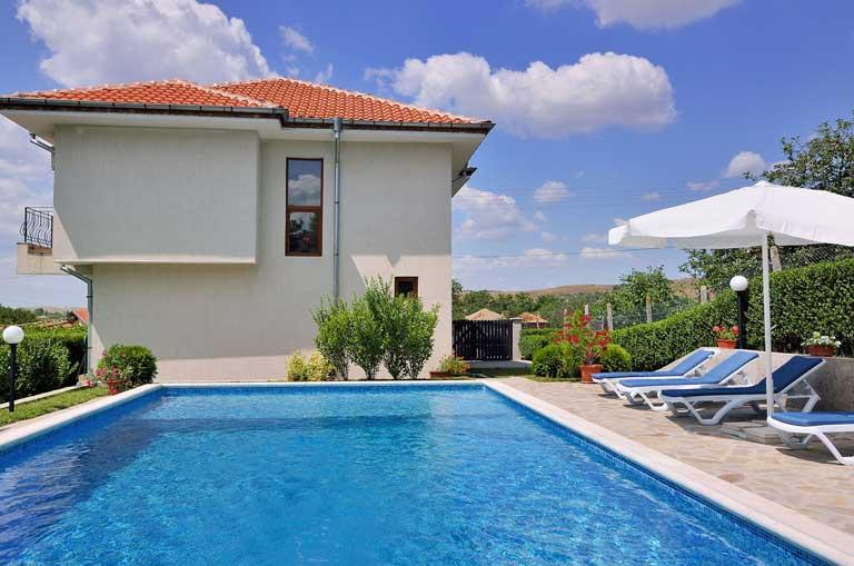 Villa Linda with private pool, Sunny beach area