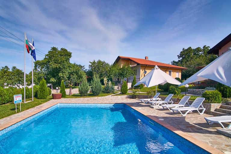 rental villa with pool in Bulgaria