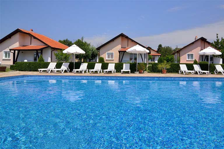 Villa with pool in Sunny beach
