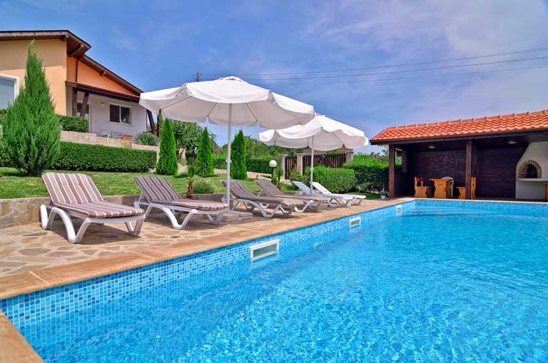 Private villa with pool in Sunny beach